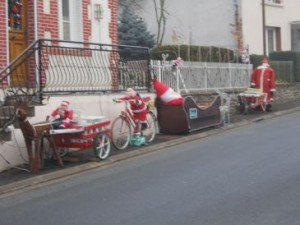 Still plenty of Santas in Nouzerines