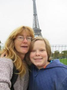 parisoct eiffel selfie